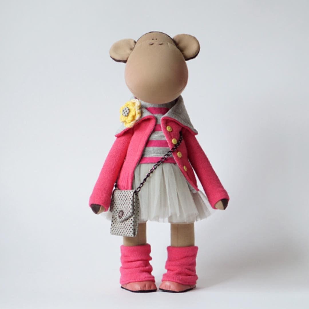 "155 Me gusta, 5 comentarios - Авторские Куклы (@alina.dmitriewa) en Instagram: ""🐒 #fiori_ua #doll #interior #home #handmade #happy #wedding  #wool #decor #design #интерьер…"""