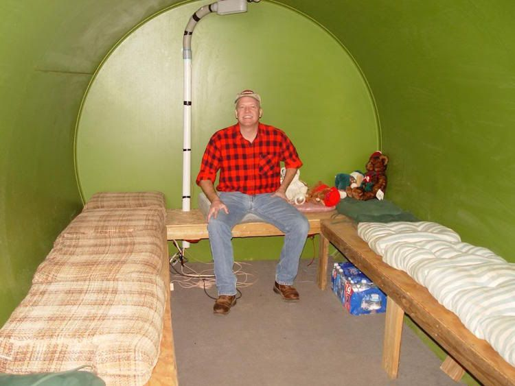 Made from a oil tank, a storm bunker Underground homes