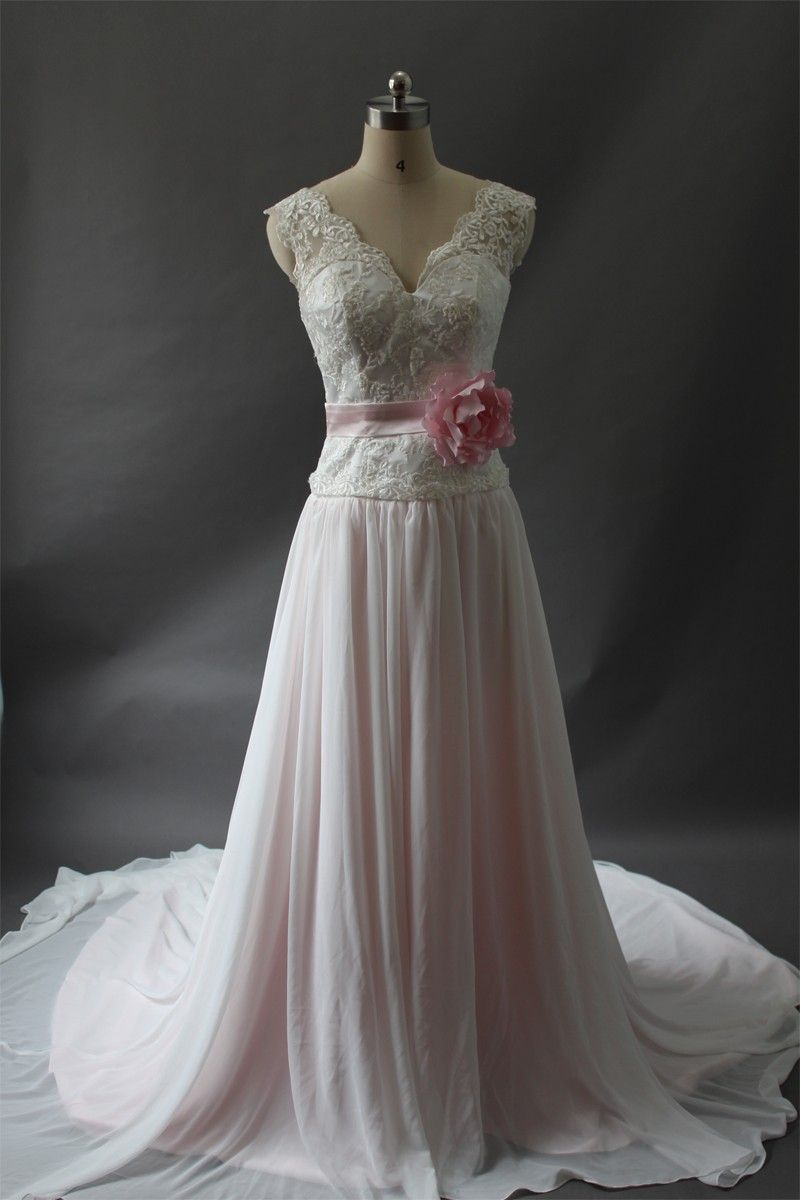 #Sleeveless  #WeddingDresses #BridalGown #Wedding #Dress