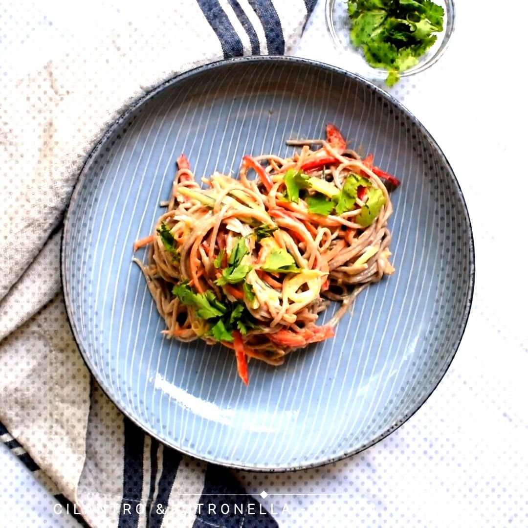 Sesame-Ginger Soba Sesame-ginger soba noodles is a tasty and filling dish packed with fresh, raw ve