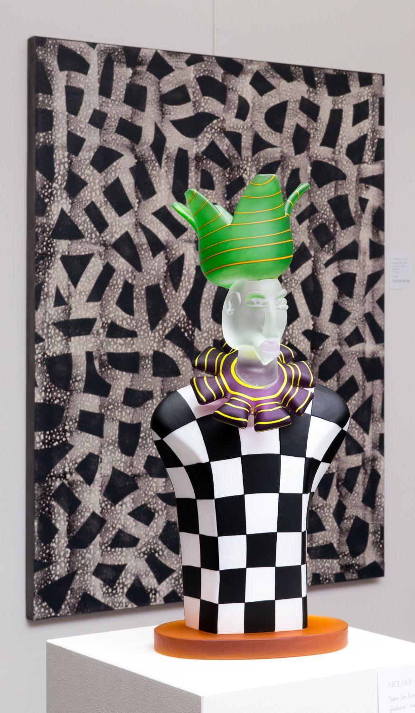 Painting background Jean De Gryse - geometric abstract - front: Stani Borowski, art object - 'Joker'