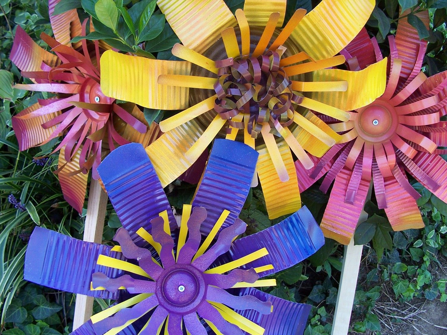 Metal Outdoor Garden Art Decorations Upcycled Can Flowers With Post In Large Size 27 00
