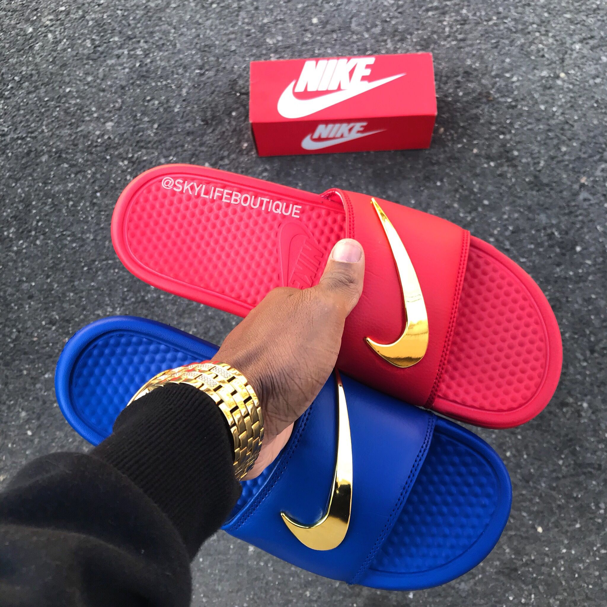 cf912785c Nike Benassi Golden Check slides