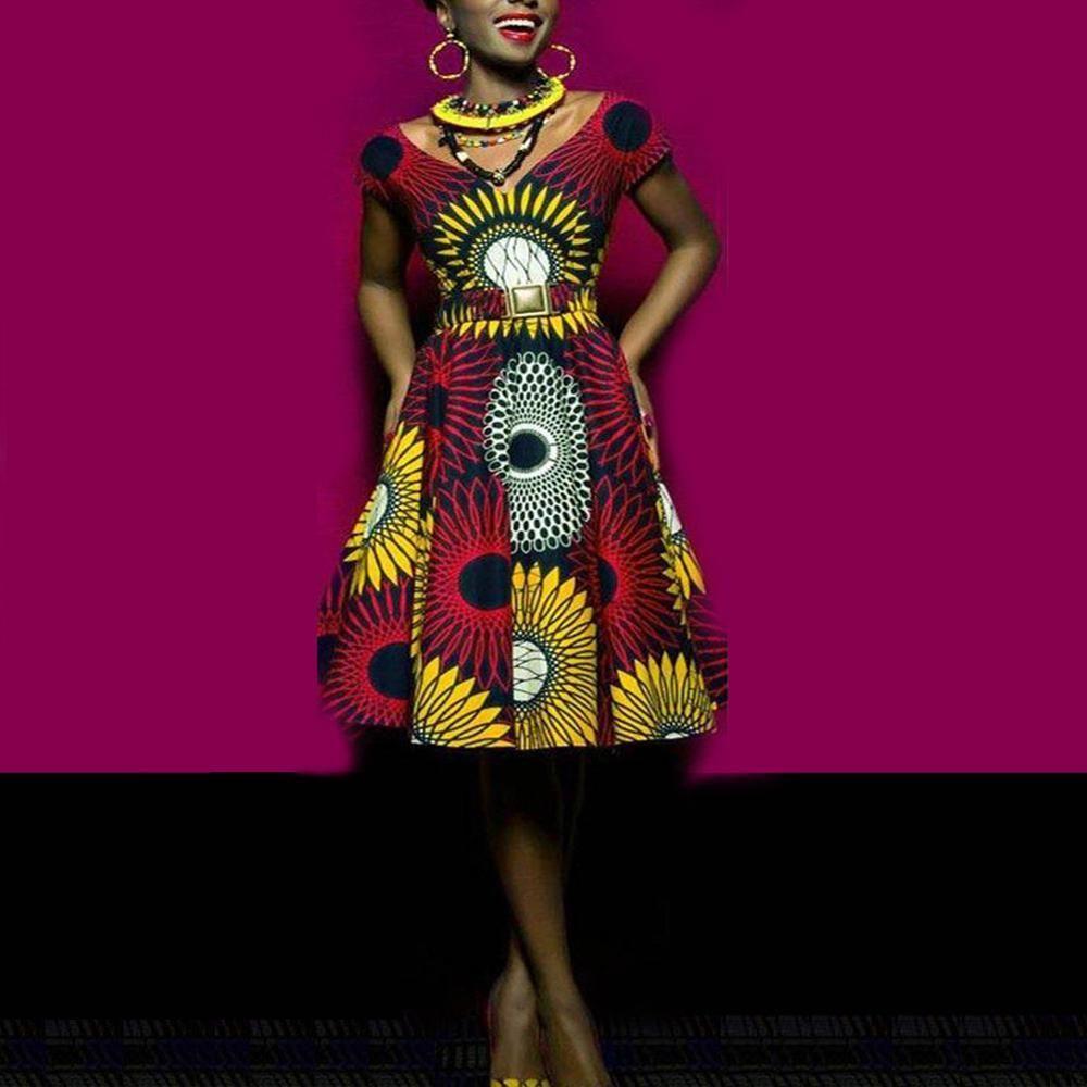 Robe Africaine Com Le Renouveau Du Vetement Africain En 2020 Vetement Africain Robe Africaine Moderne Longue Robe Africaine Boubou