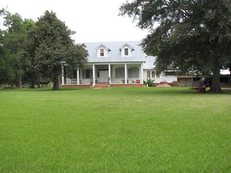 """Majestic, """"Milburn Plantation, 14 acres built in 1832 from"""