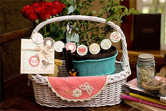 What Is A Gardener's Basket Called