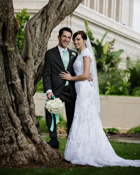 Wedding Portraits From A In Mesa Arizona At The LDS Temple 7