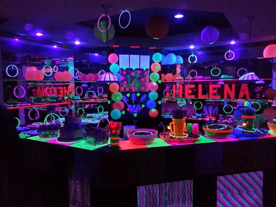 Neon birthday party! Def need to do this for one of mine
