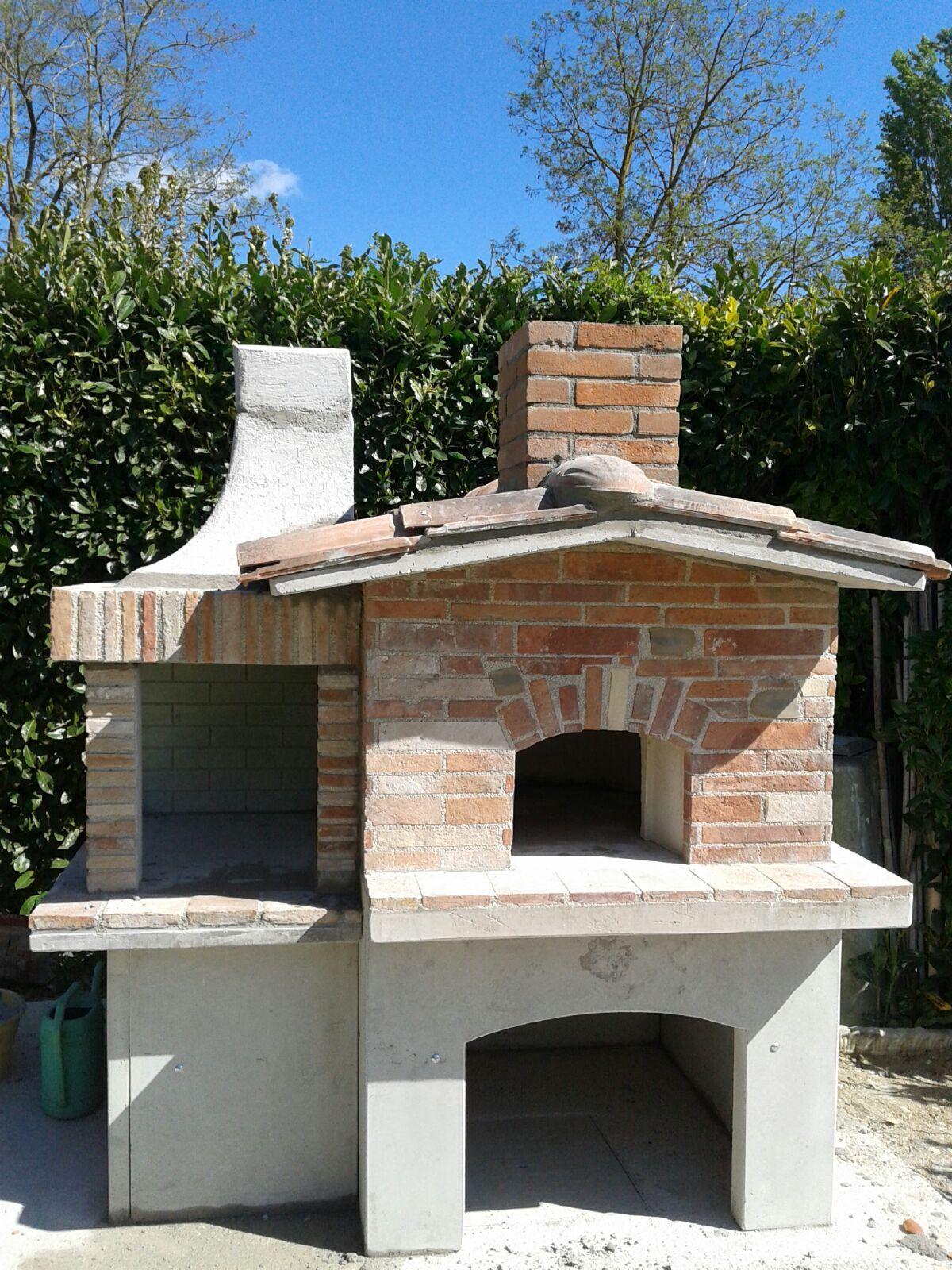 Forno con barbecue da esterno cb caminetti bellucci - Forno barbecue muratura esterno ...