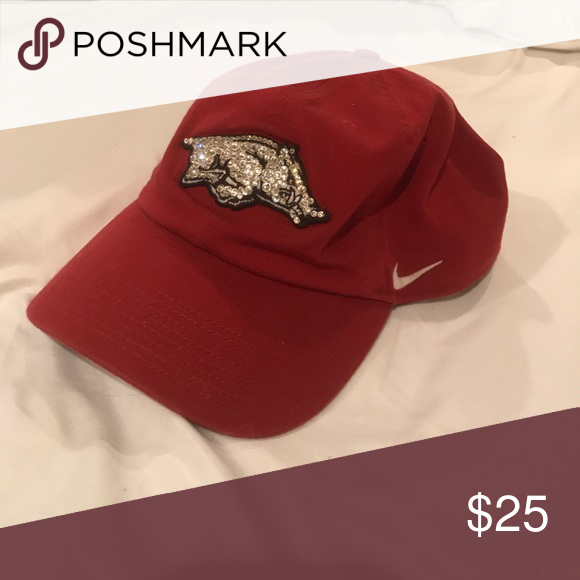 Razorback hat Swarovski crystal razorback hat originally  50! Great  condition. Worn once! Nike a741003c7a85