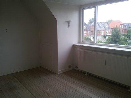 Marienlystvej 50, 2. th., 5000 Odense C - SKIBHUSKVARTERET, Odense. 2 vær plus 11 m2 ekstra værelse (loft)