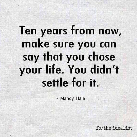 Trabajar para en lo que amo para que en 10 años sea la vida que yo haya diseñado!  . . . #morninginspiration #mindset #inspiration #quotestoliveby #healthyliving #entrepreneur #fitness #lifestyle #happythursday #frasedeldia #vidasaludable #estilodevida #felizjueves