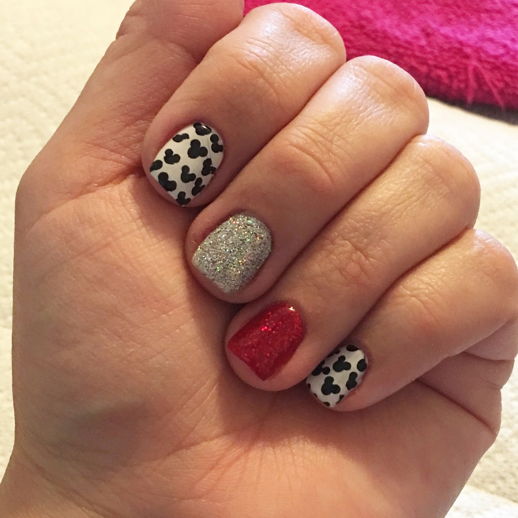 Disney gel nails. Disneyland nails. Gel nails. Mickey mouse nails ...