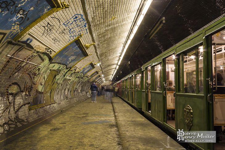 Station métro fantôme Croix Rouge avec la Sprague Thomson   Urbex ...