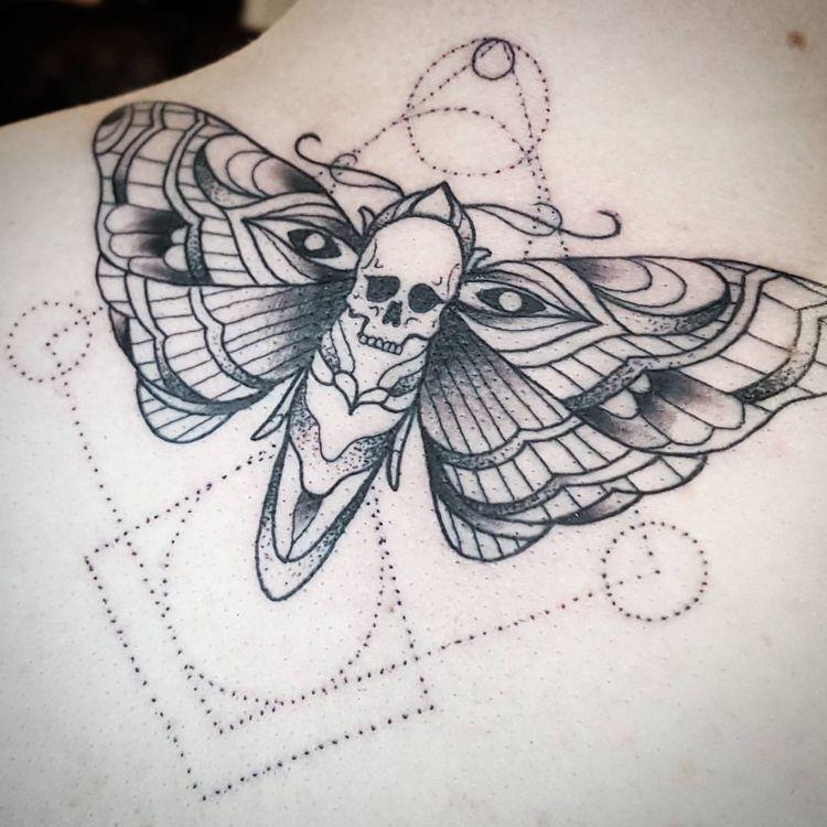 Pin Von Julia Philipps Auf Moth Motten Tattoo Tattoo Ideen Tattoo Bedeutungen