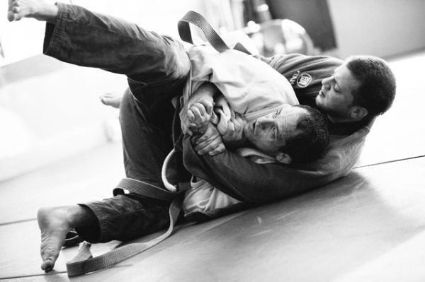 Surviving Socially The Beginner Phase Of Bjj Bjj Jiu Jitsu Brazilian Jiu Jitsu