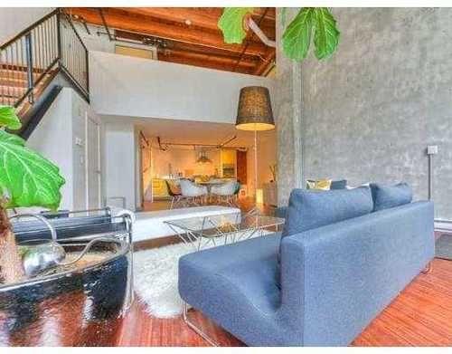 I love New York loft style apartments!