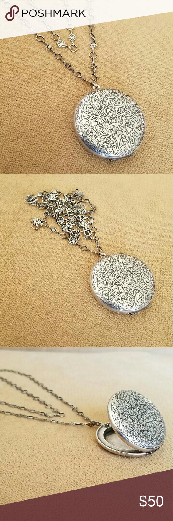 Catherine Popesco Necklace Silver  NWOT Catherine Popesco Jewelry Necklaces