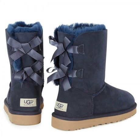 Navy blue UGG boots | Uggs with bows
