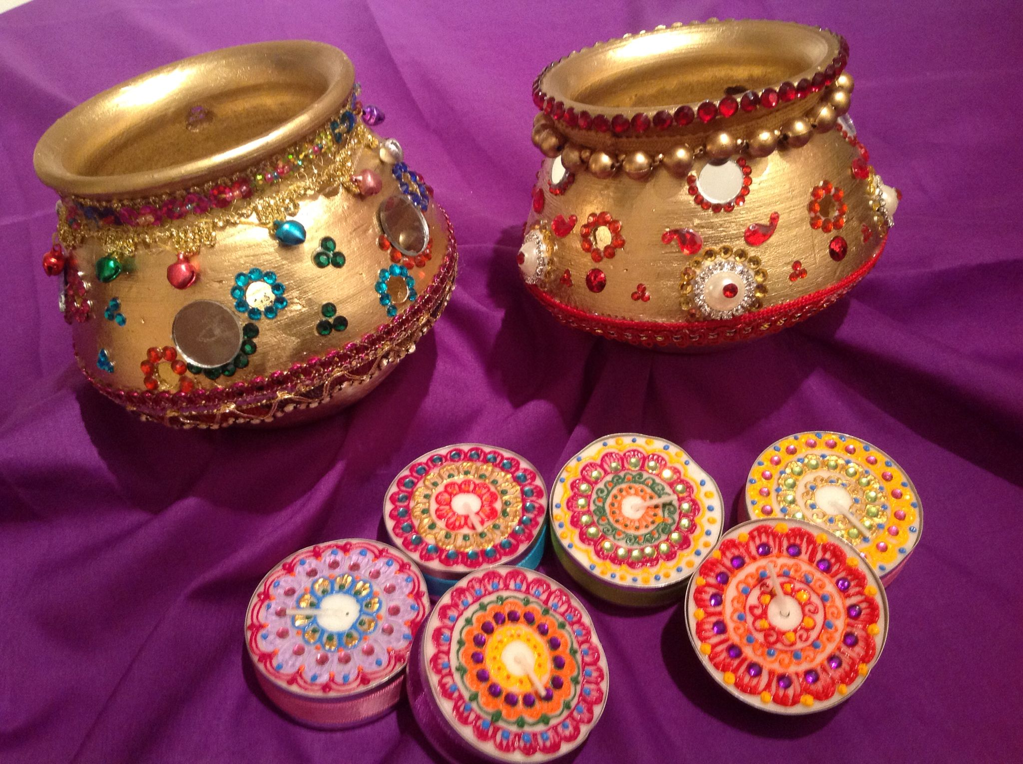 Mehndi Party Trays : Hand decorated mutki pots lovely as table decor for mehndi