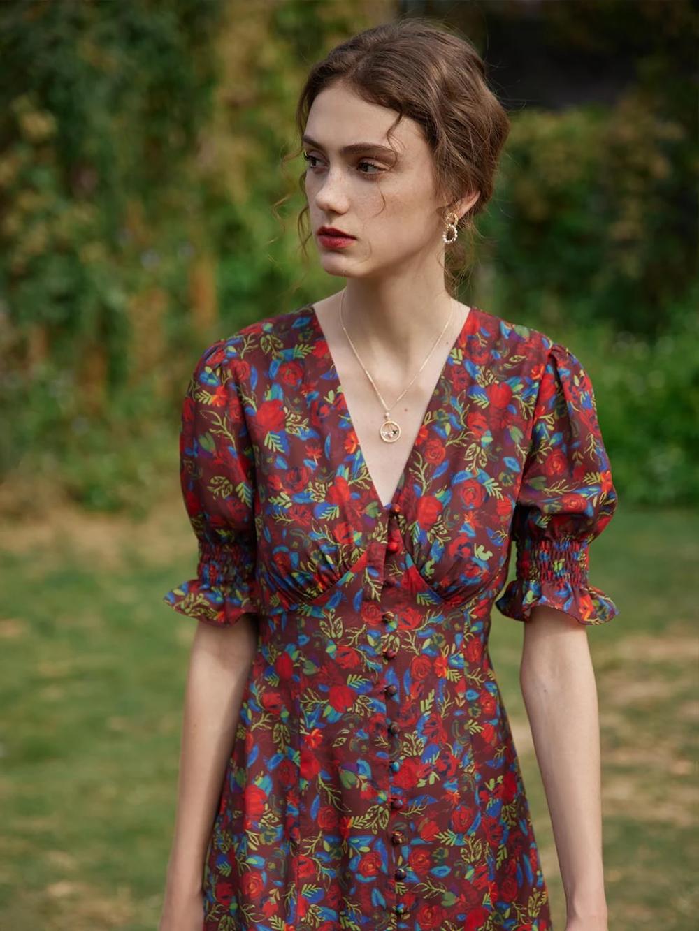 Kora Floral Printed Midi Dress In 2021 Quirky Dress Printed Midi Dress Dresses [ 1333 x 1000 Pixel ]