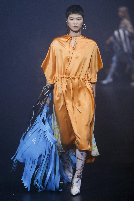aaf19db2b73d Balenciaga Spring 2018 Ready-to-Wear Fashion Show - Manami Kinoshita