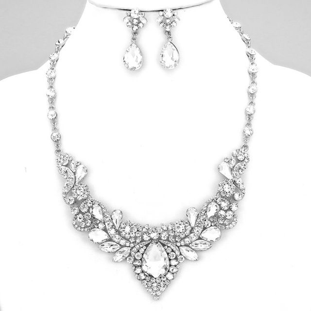 Elegant Crystal Evening Necklace Set $40 Price Includes Earrings ---------- #WeddingJewelry #EastCoastOccasions #TheWeddingBoutique #Affordable #Timeless #Elegant #WeddingParty #Bridesmaids #BridalCollection #ElegantNecklace #BridalNecklace#BridesmaidsNecklace #Necklace #WeddingGuests #BridalJewelry EastCoastOccasions.com