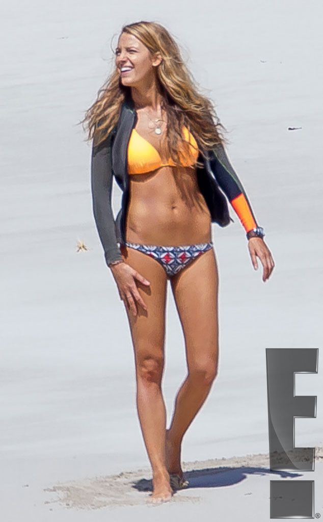92ffeb51c23d7 <p>Lively shows off her toned tummy on the set of <em>The Shallows</em> in  Lord Howe Island in New South Wales, Australia.</p>