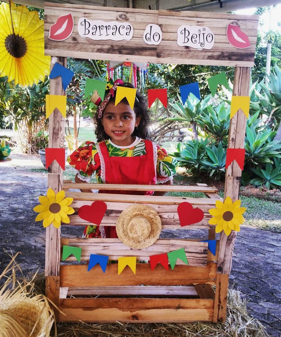 Festa Julina - Sara e Benjamim - Parkway #festajulina#festajunina#festacaipira#festajuninadf#decoracaojunina#Pecaslocacaodf#festadf#festabrasilia#atelierfestdecor#deboralopes#