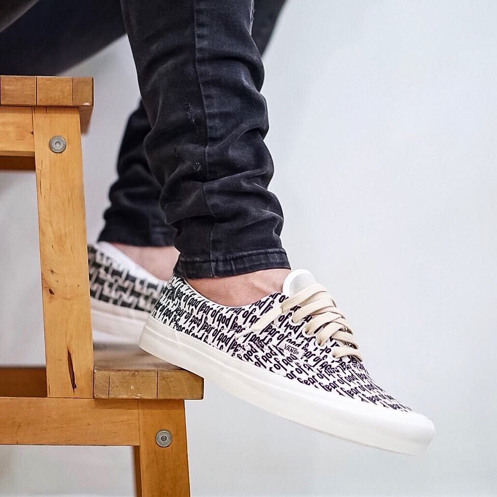 9c3b1fbc28e Fear of God x VANS Era 95 Reissue