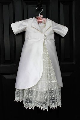 No pattern, but if I have another girl I will make this for her blessing! BEAUTIFUL!