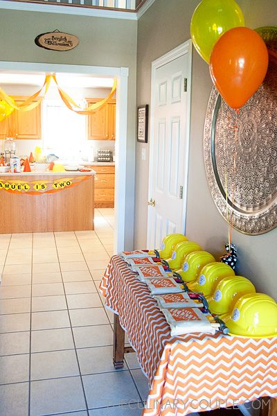 Construction birthday party-- I love the simplicity of the decor