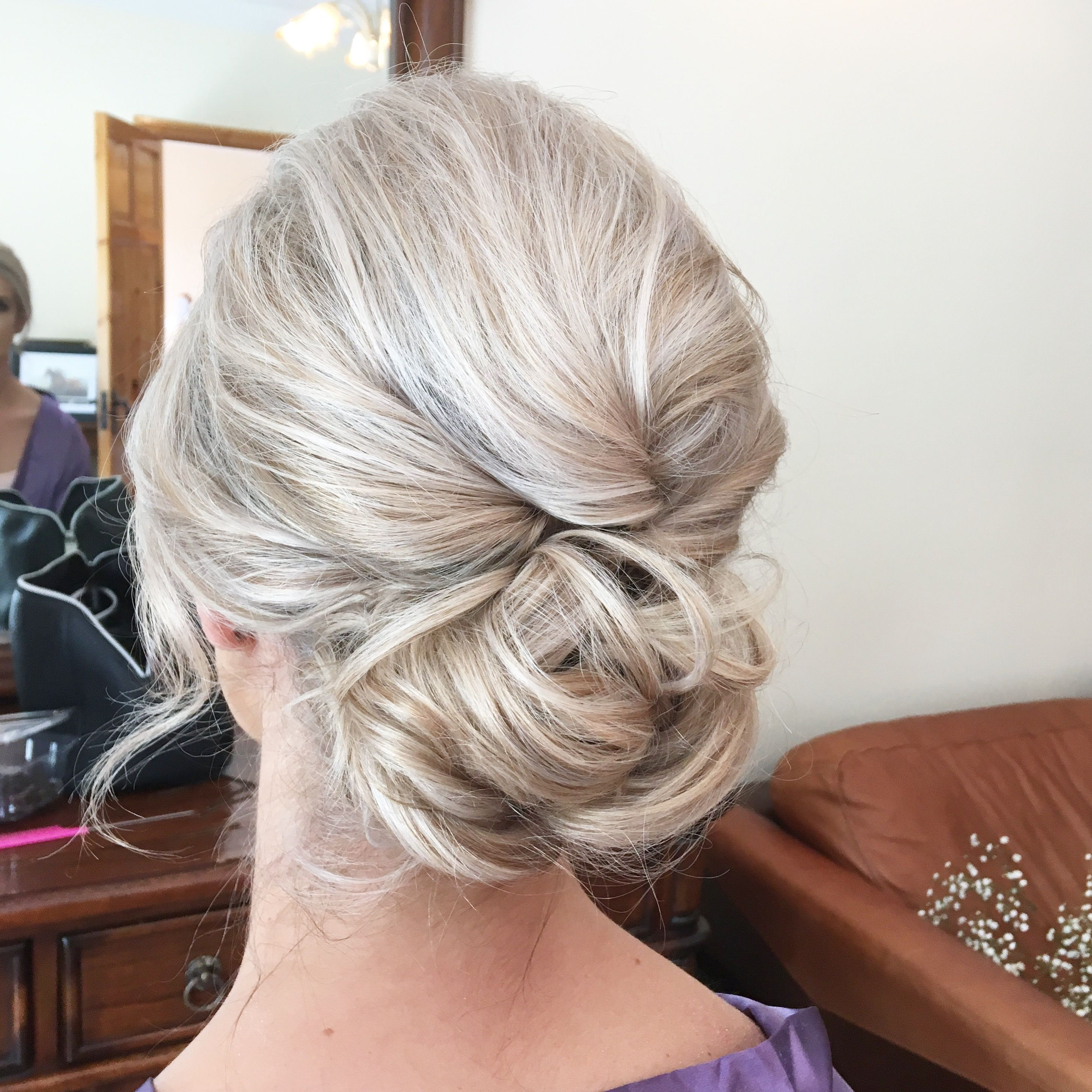 tousled textured wedding updo hairstyle | bridesmaid hair