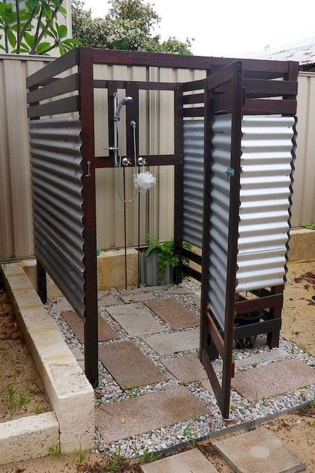 Amazing Outdoor Bathroom Shower Ideas You Can Try In Your Home Decor Around The World In 2020 Outdoor Bathrooms Pool Decor Outdoor Bathroom Design