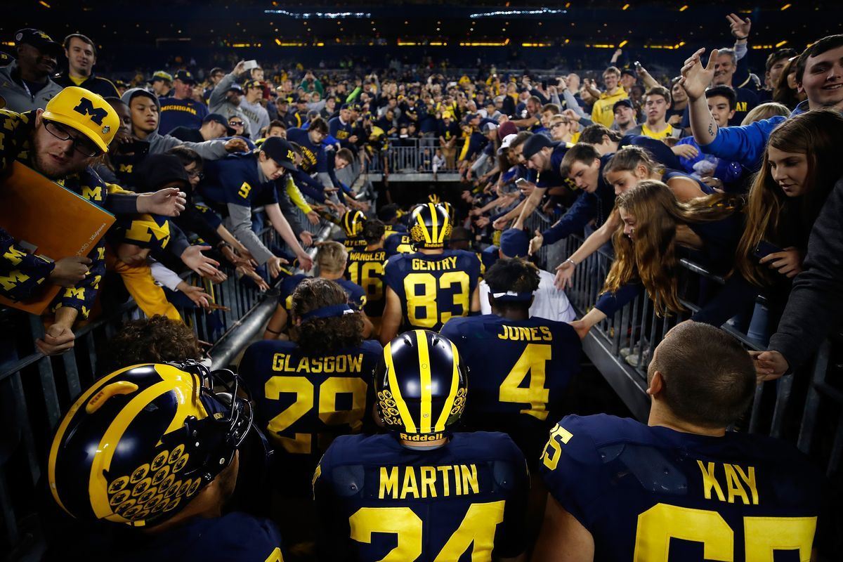Ask The Experts Tips When Betting Weeks 1 3 In The Nfl And College Football Ncaa Football Game College Football Football