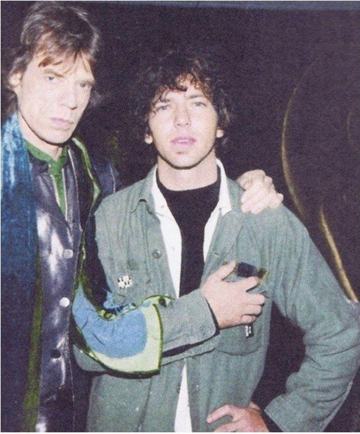 Pearl Jam site de rencontre Kerrang Dating code de réduction