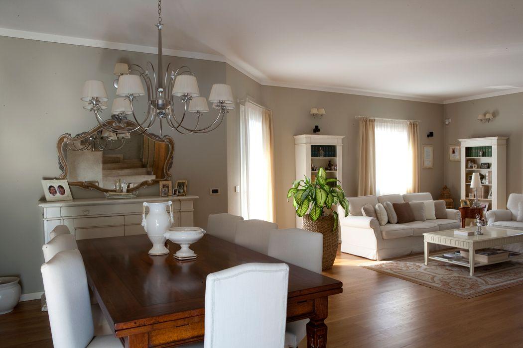 La casa raffinata casa arredamento sala classica for Colori per la sala