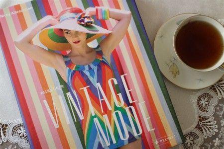 Alles über Vintage Mode - die Rezension dazu gibt es auf unserem Blog: http://www.modespitze.de/blog/wirklich-alles-ueber-vintagemode/