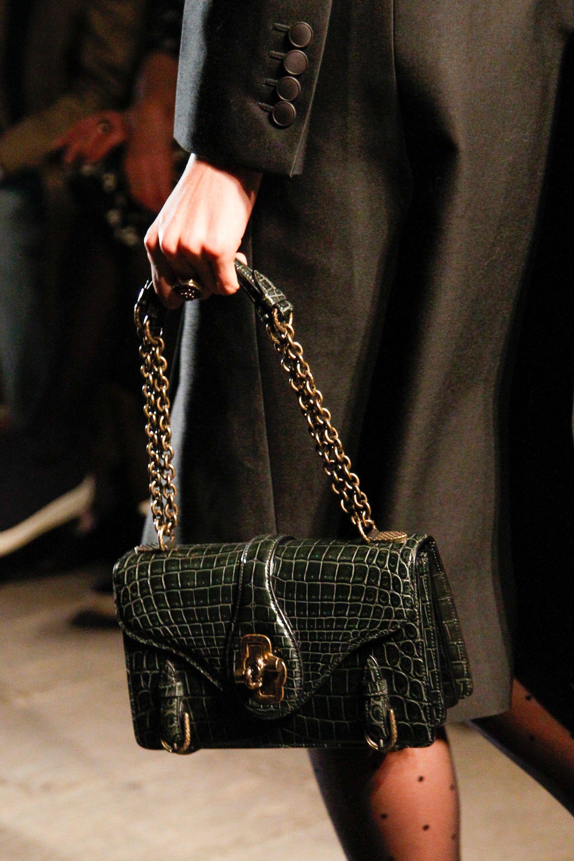 Women s Handbags · See detail photos for Bottega Veneta Fall 2017  Ready-to-Wear collection. Fashion afd820d35a117