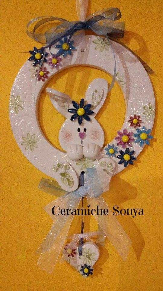Ceramic door plate made by https://www.facebook.com/ceramiche.sonya/ *** Le Maddine & Maddy https://www.facebook.com/groups/531953423561246/ *** #madeinfacebook #lemaddine #handmade #handcrafted #instagram #instapic #instagood #picoftheday #instacool #handmade #cool #cute #fimo #polymerclay #clay #ceramic #rabbit #colorful #spring #flowers #door #plate #decor #decoration #homedecor #ceramichesonya