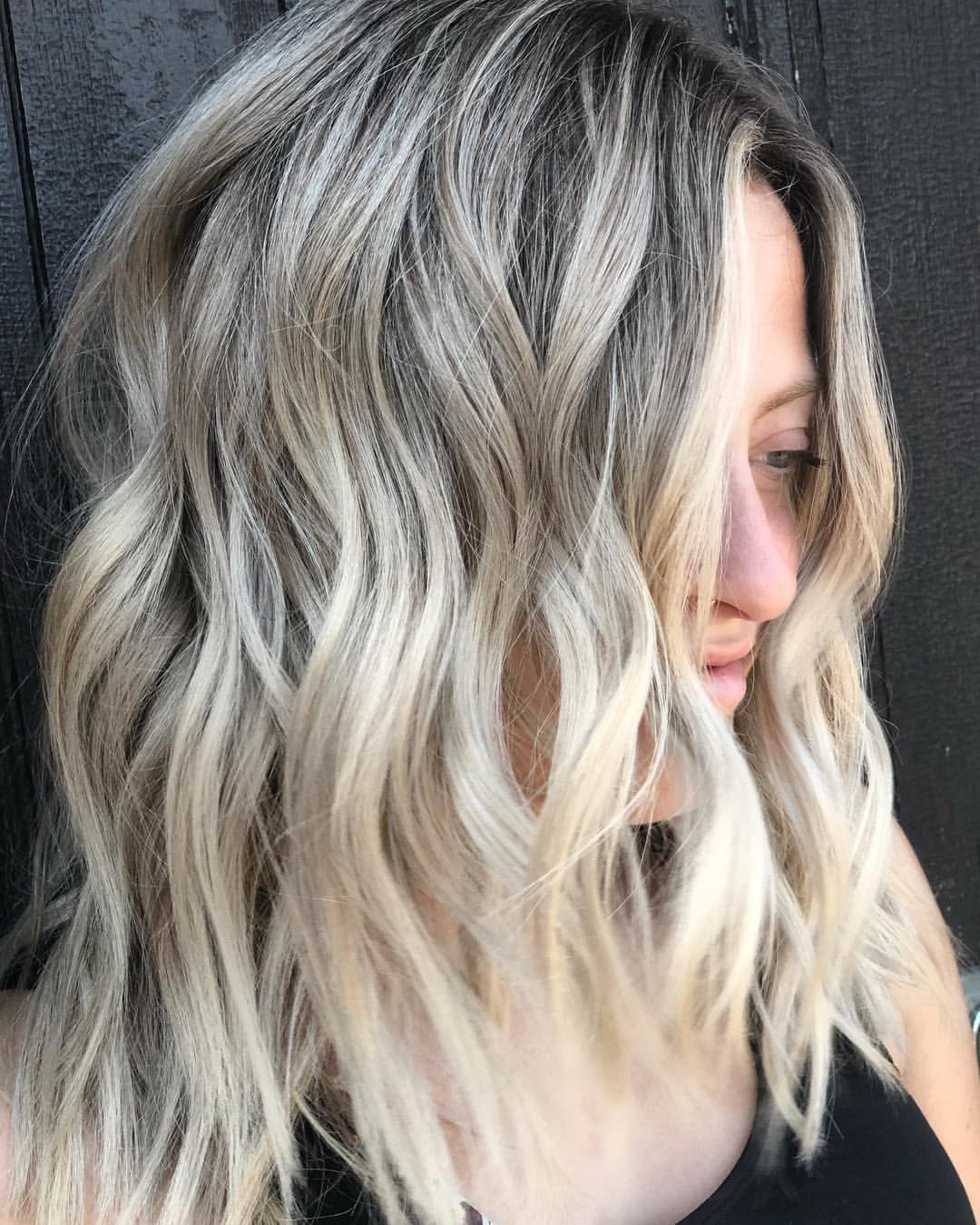 Textured lob / short hair color ideas/ blonde balayage/ medium ...