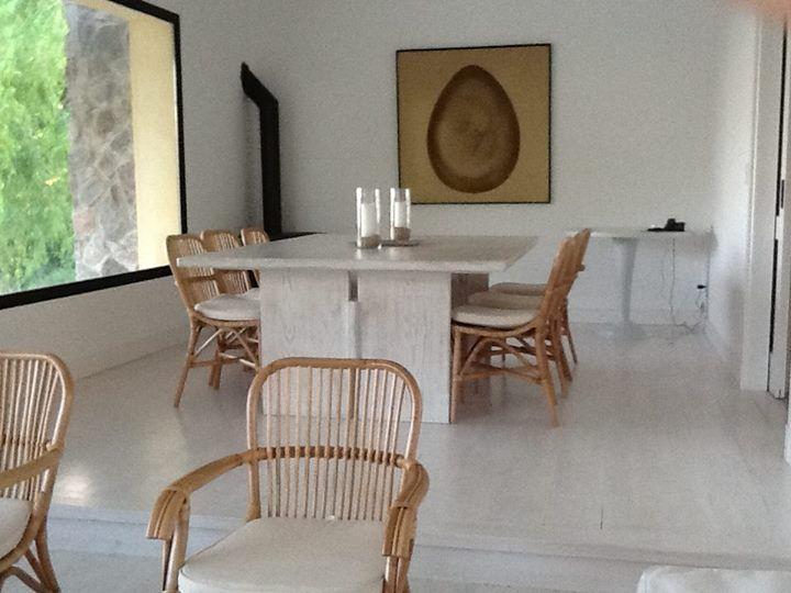 Marabierto   casa en carmelo. sillas fabi con y sin brazo, mesa de ...