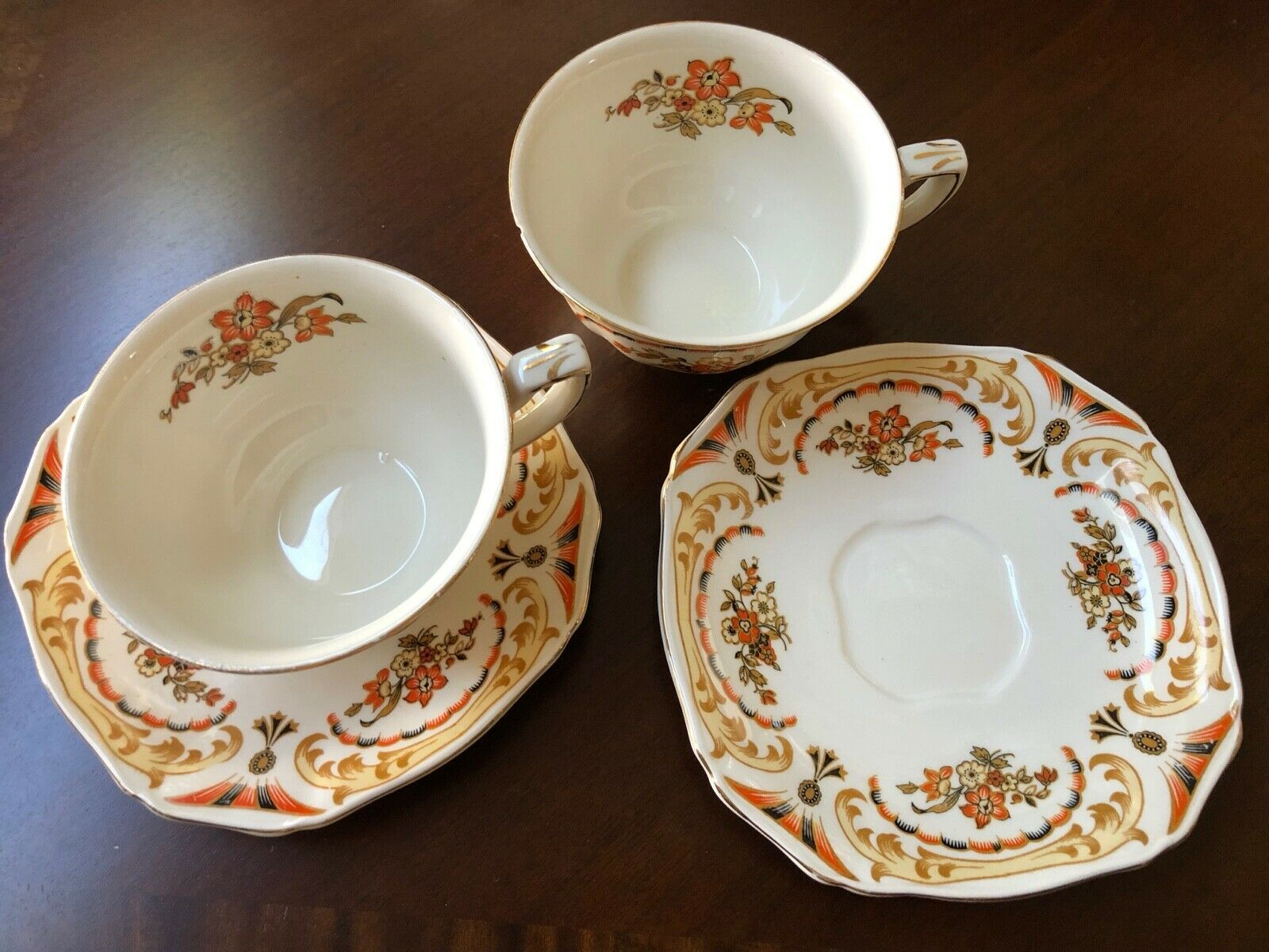 Franciscan Apple Cups /& Saucers Lot B Set of 5