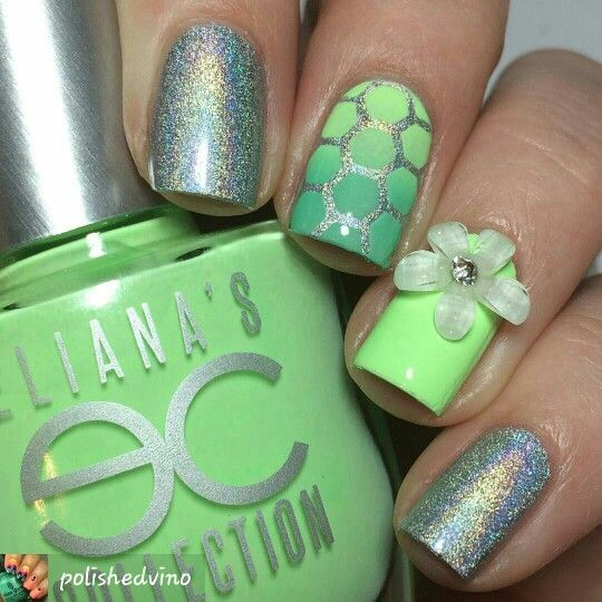 Pretty #stampart #stampednails #greenpolish #springnails #neonpolish #nails #nailart #nailpolish #naildesigns #nailsofinsta