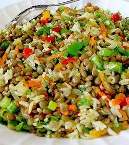 Arpa şehriyeli yeşil mercimekli salata