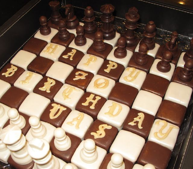 Chess Set Cake Pops The Chess Pieces Even Have Cake In