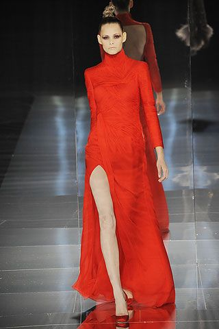Valentino Red Gown. | Colors•(♥).••♥•Red#1 ...