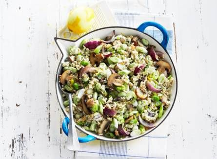 Fast food made easy! One pan rice with beans and mushrooms.