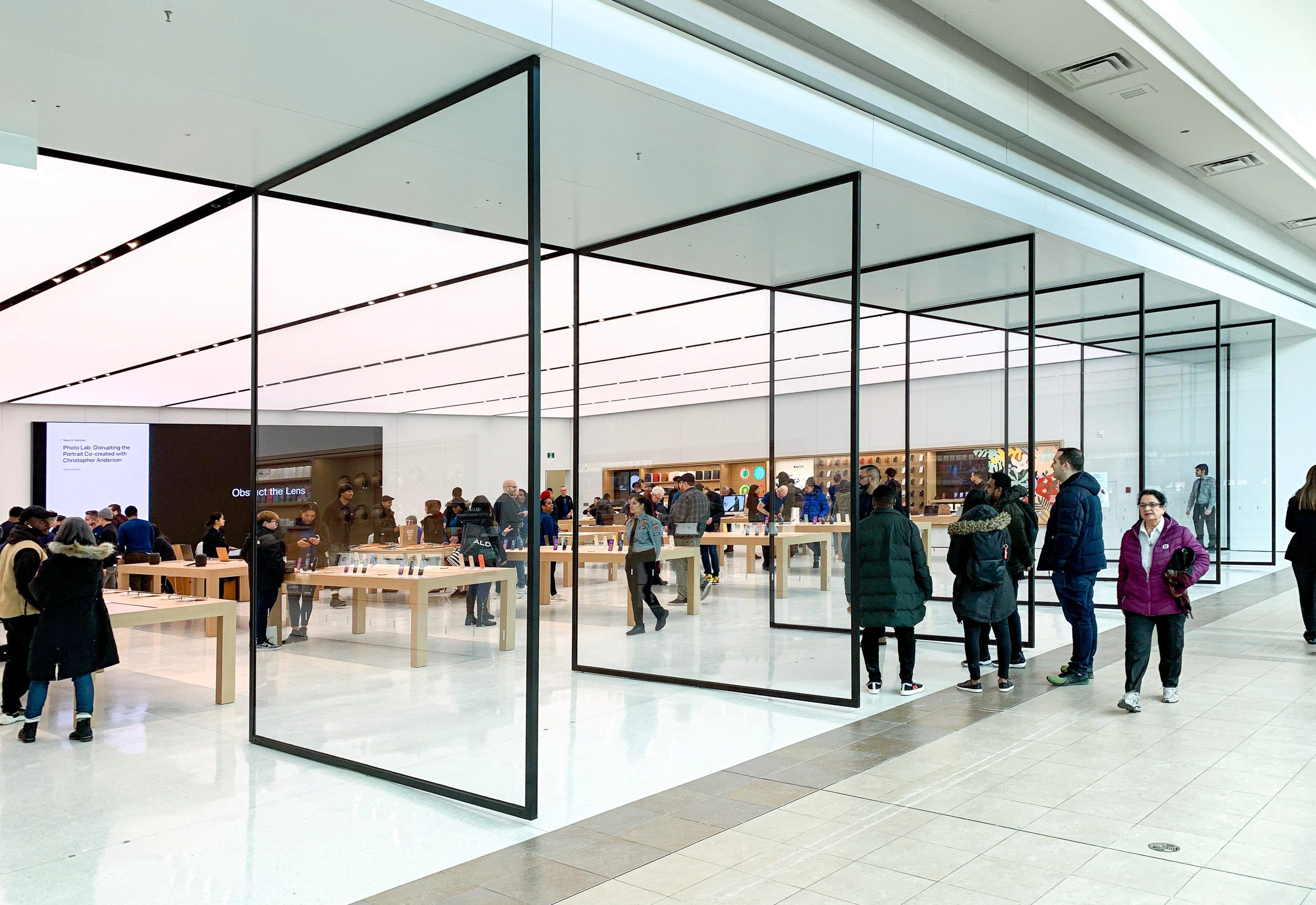 Expanded Apple Store In Toronto S Fairview Mall Now Open Macrumors In 2020 Fairview Mall Apple Store Fairview
