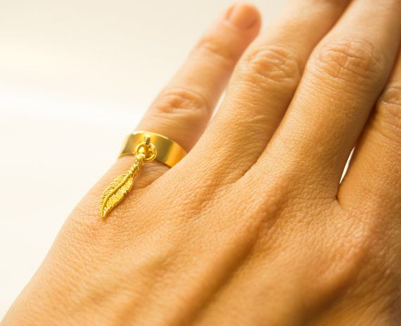 Pinky Ring, Feather Ring, Charm Ring, Feather Charm Ring, Gold Pinky Ring, Silver Pinky Ring, Gold Feather Ring, Silver Feather Ring #ChristmasGift #giftforher #xmasgift #GoldPinkyRing, #SilverPinkyRing, #GoldFeatherRing, #SilverFeatherRing